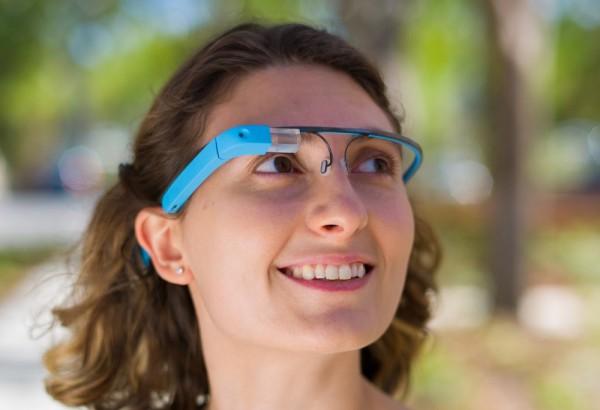 sarah-price-waring-blue-google-glass