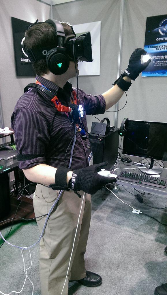 control vr virtual reality glove hands on