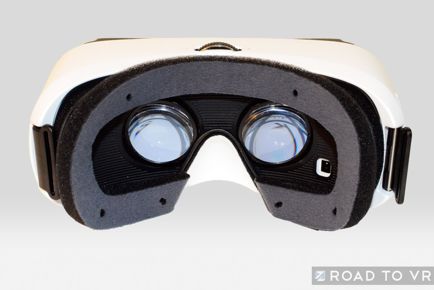 samsung gear vr review  part 1  design comparison to