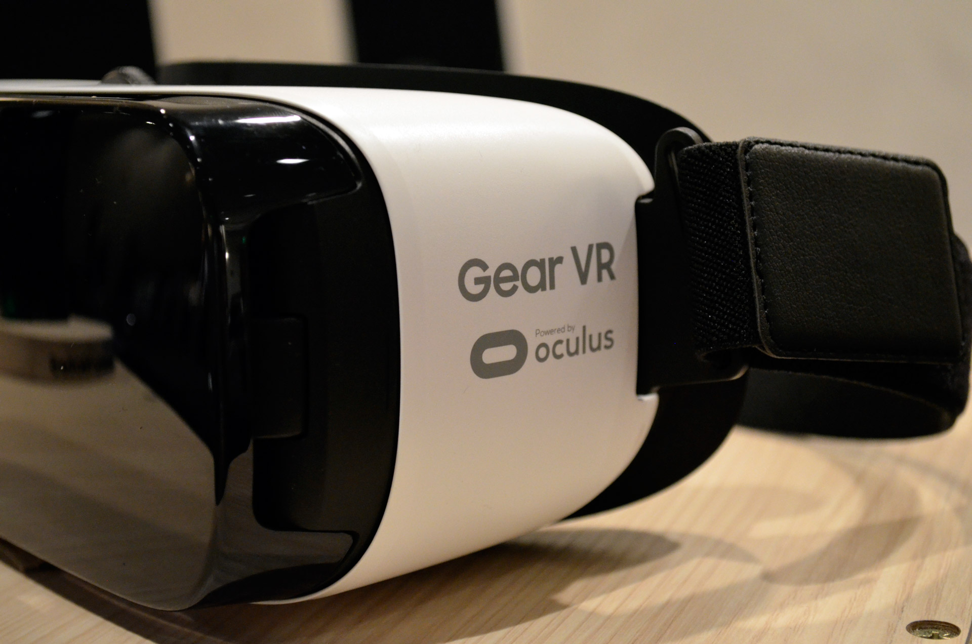 Consumer Gear VR May be up for Pre-Order November 10th