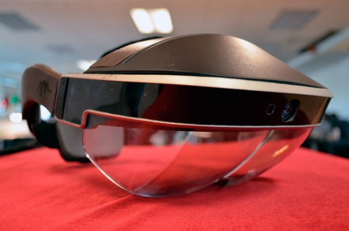 meta 2 development kit hands on augmented reality headset AR (1)