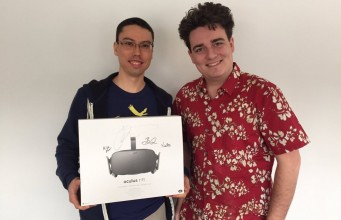 Flipflops in Alaska: Oculus Founder Delivers First Rift in Person