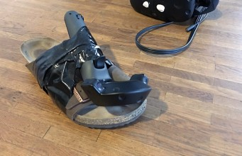 Yes, that's an HTC Vive controller taped to a sandaloculu rift teardown (1)striker-vr-arena-infinity-prototypetactical-haptics-htc-viveFove4