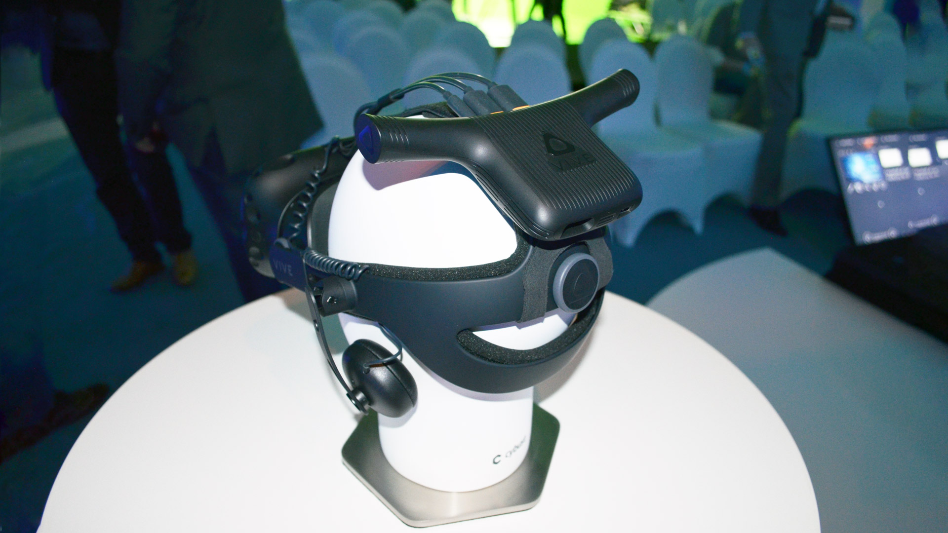 CES 2018: HTC's Vive Wireless Adaptor to Support Both Vive