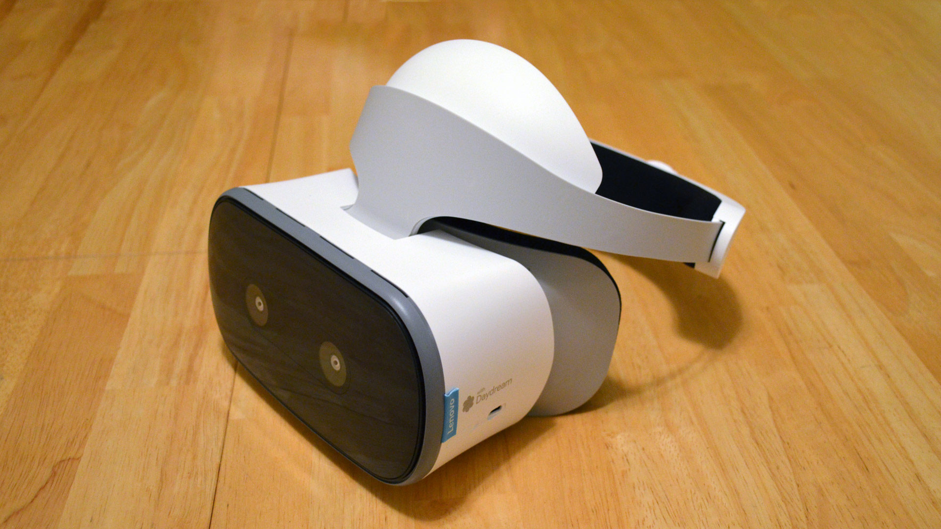 Lenovo Mirage Solo Review: Positional Tracking Comes to Mobile VR
