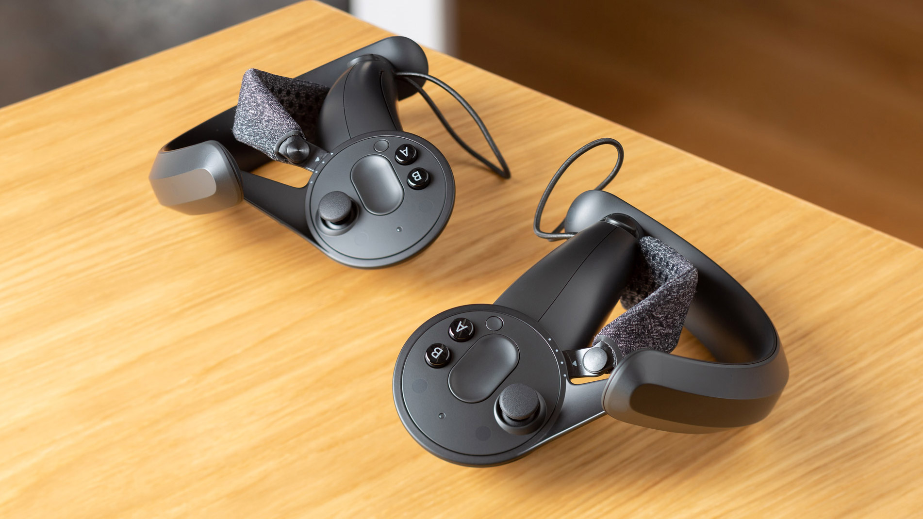 These Developers Hacked Knuckles & Vive Controllers to Play